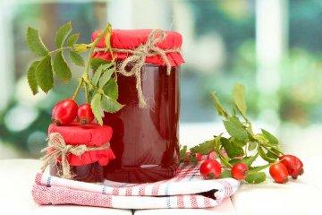 šípková marmeláda tvoří základ šípkové omáčky